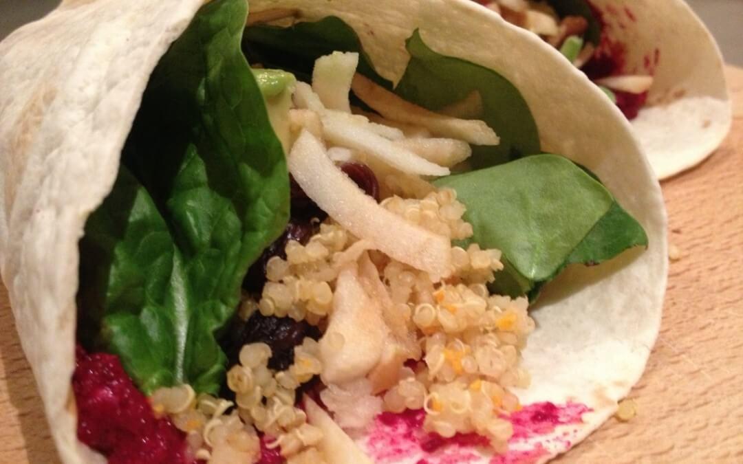 Wraps met quinoa, biet, appel en geitenkaas