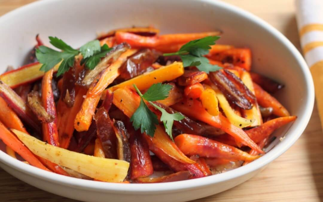 Vega budget: Salade met wortelen, gember en sesam