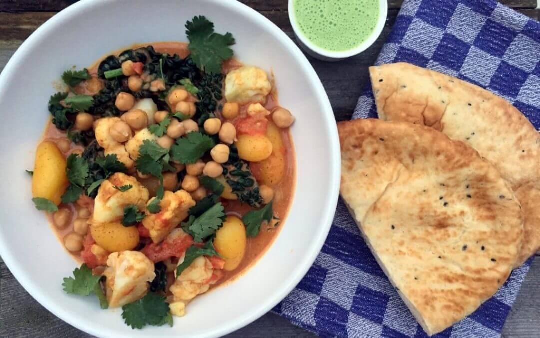 Korma curry met bloemkool, palmkool en raita