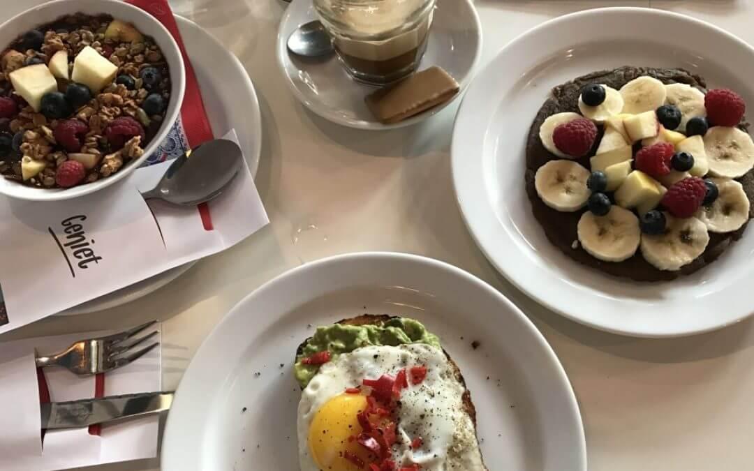 Clubkoffie: sandwiches en koffie in Oost